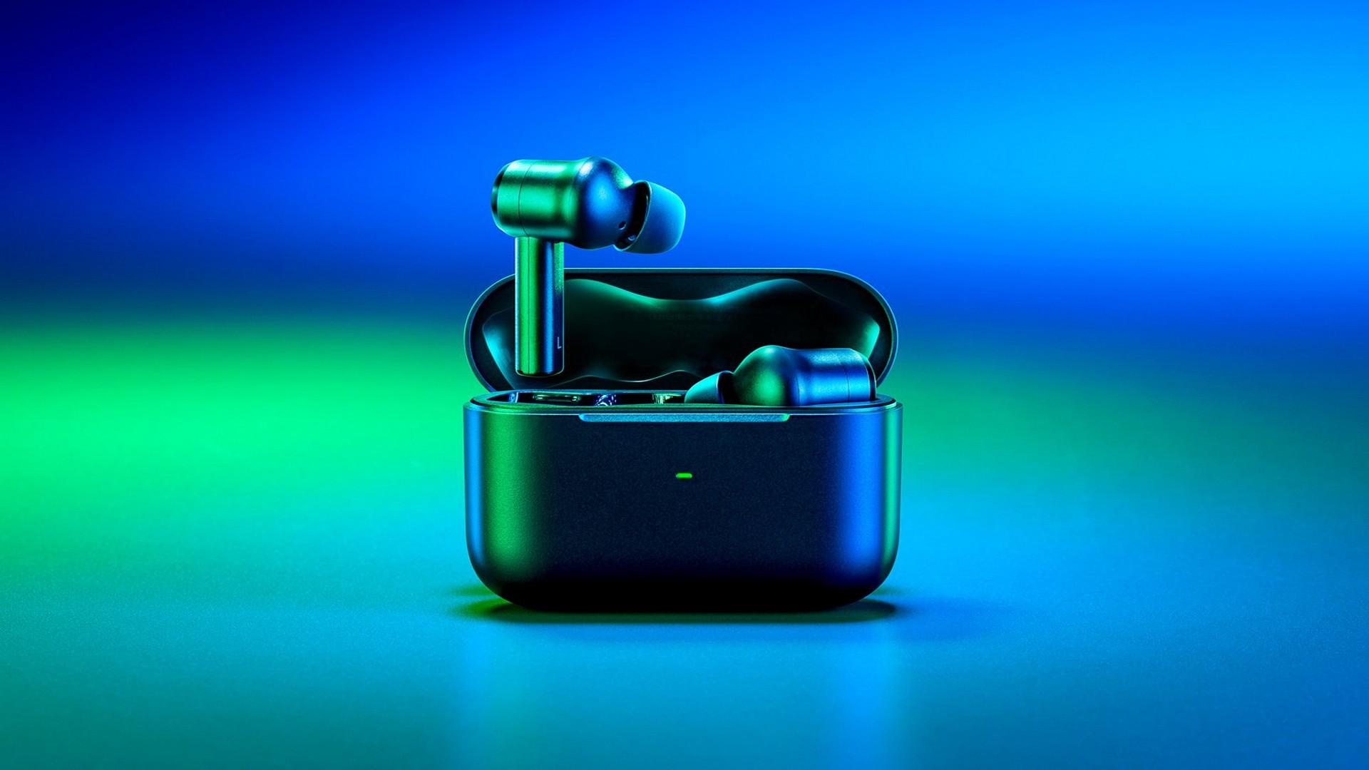 Free Yourself From Noise & Enjoy THX Certified Audio With The Razer Hammerhead True Wireless Pro Earbuds
